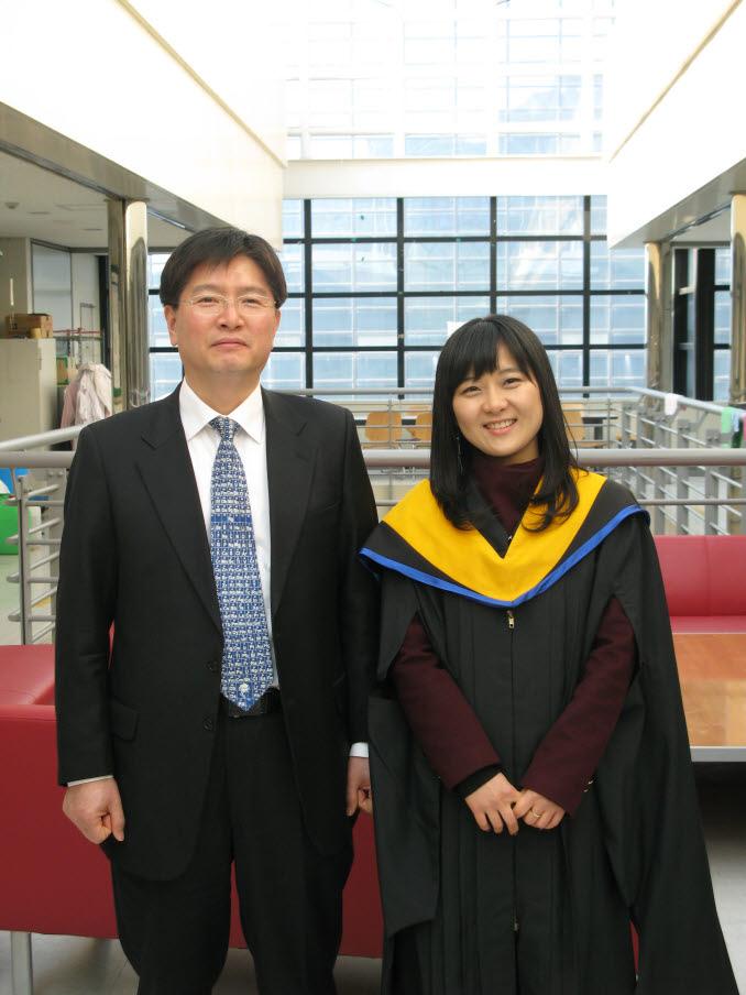 2011 2 graduation 3.jpg